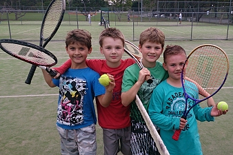 kids playing at caboolture tennis centre